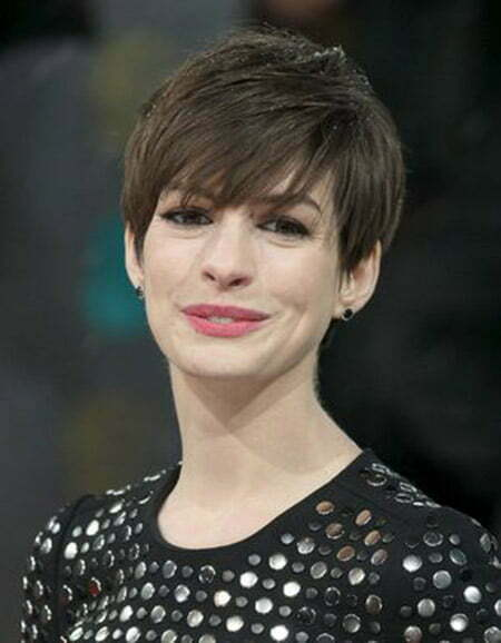 Mesmerizing Pixie Cut of Anne Hathaway