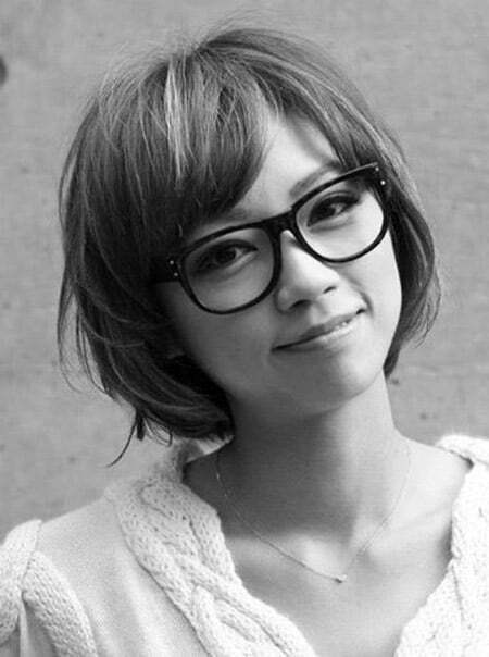 Messy Bob Cut with Side-parted Bangs