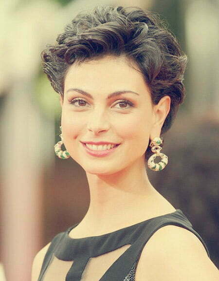 Morena Baccarin Short Hair Style