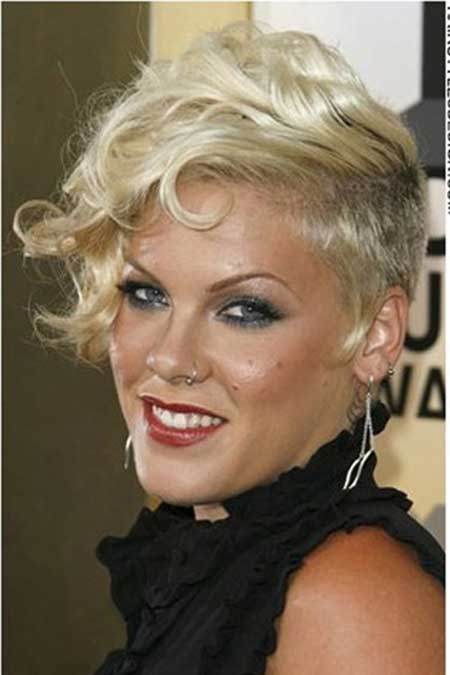 Pink's Awesome Short Wavy Hairstyle