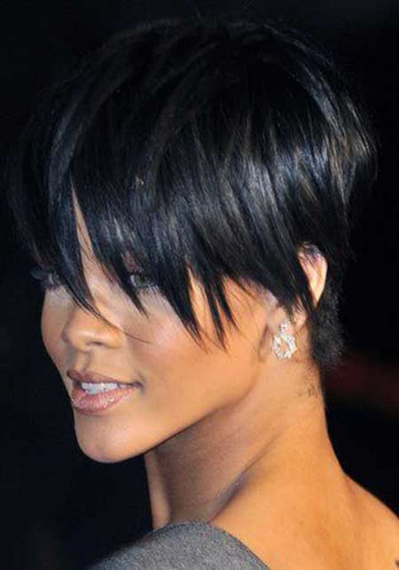 Pixie Hairstyle of Rihanna