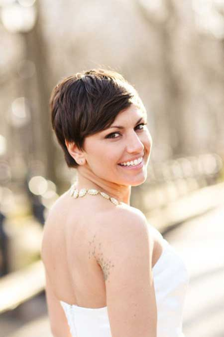 Pretty Short Hairstyles for Women