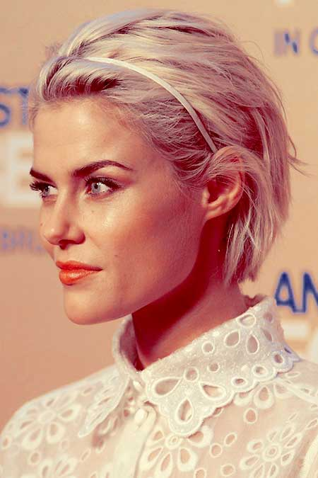 Rachael Taylor short hairstyle