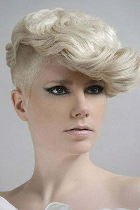 Stylish and Amazing Pixie Cut