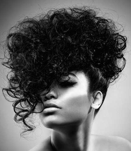 Stylistic Wavy Hairstyle