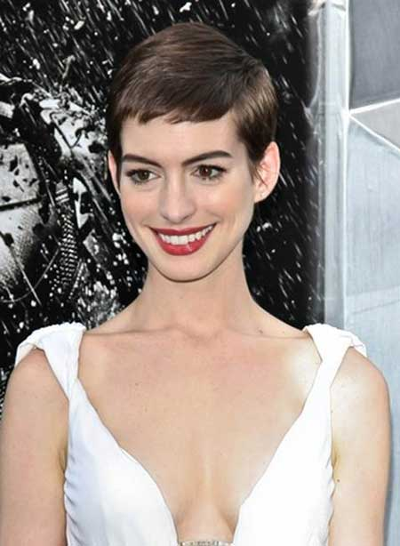 Very Cute Anne Hathaway's Pixie Cut