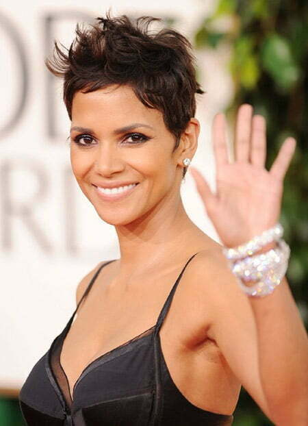 Very Cute Messy Pixie Hairstyle of Halle Berry