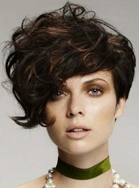 Стрижки ассиметричные для вьющихся волос