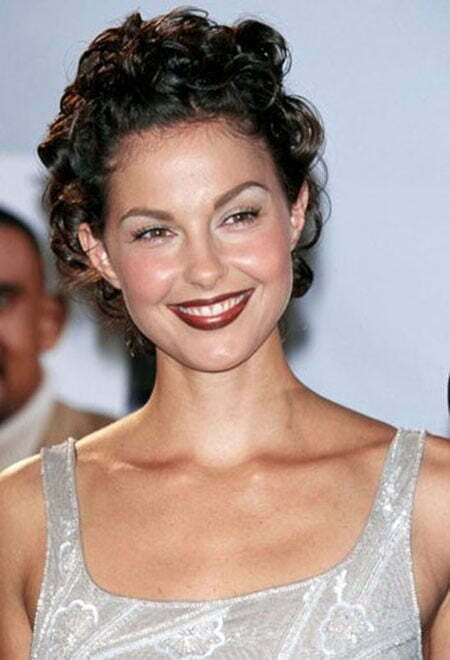 30 Best Short Curly Hairstyles
