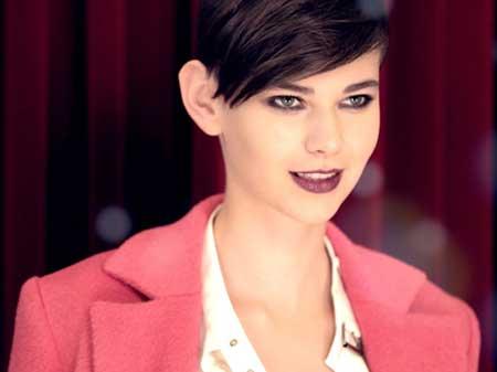 25 Short Trendy Hairstyles for Women_3