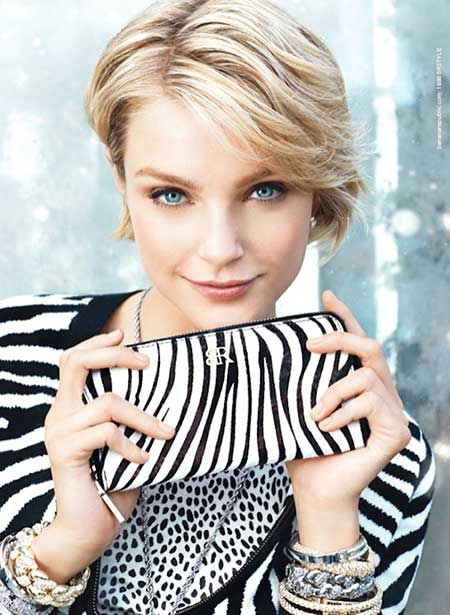25 Short Trendy Hairstyles for Women_5