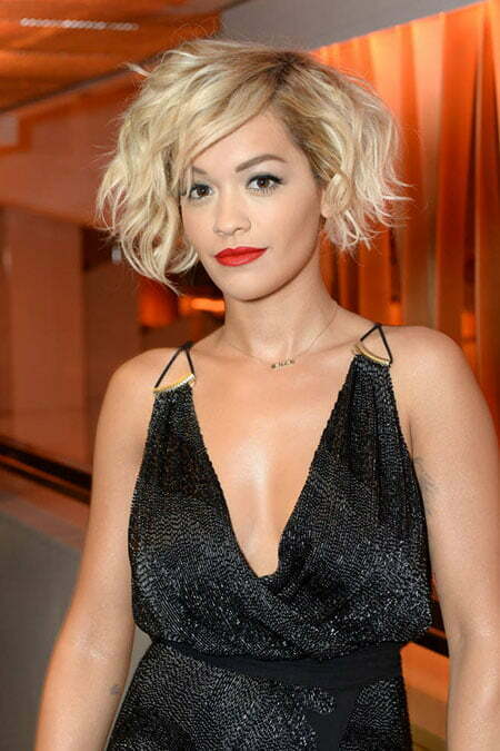 20 Best Short Curly Haircuts_3