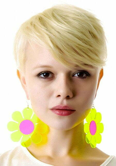 20 Straight Hairstyles for Short Hair_10