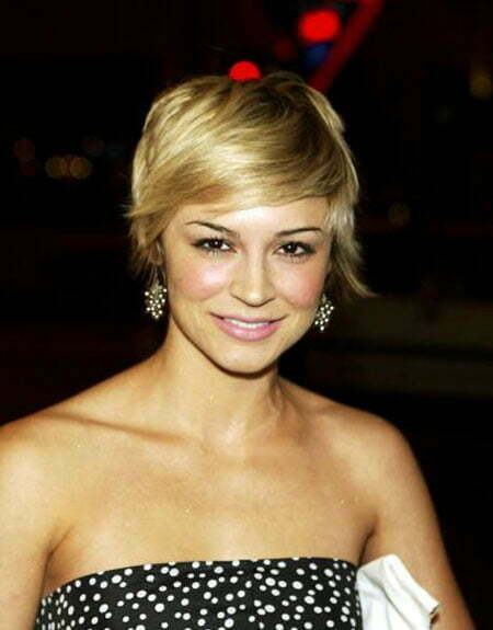 20 Straight Hairstyles for Short Hair_4