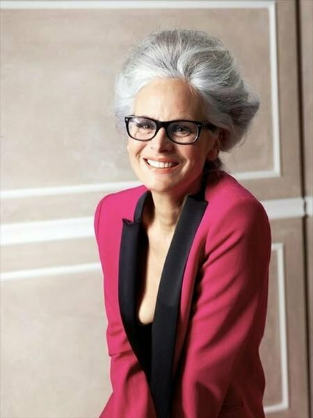 25 Chic Short Hairstyles For Older Women_6