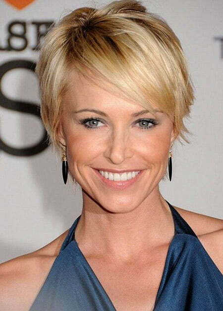 Josie Bissett's Charming and Attractive Bob Cut