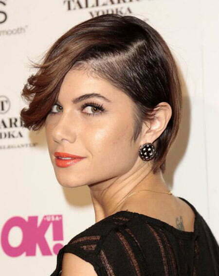 Undercut Hairstyle Women This undercut hairstyle is