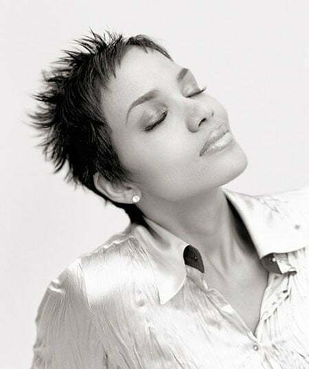 20 Best Short Pixie Haircuts_2
