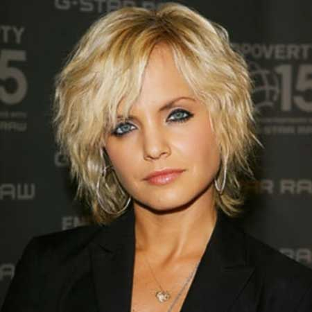 20 Best Short Wavy Hairstyles_10