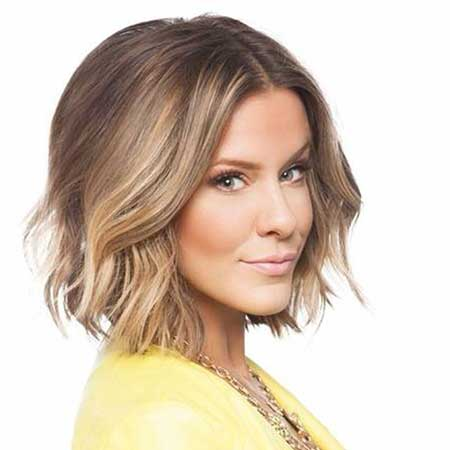 20 Haircuts for Short Wavy Hair_12