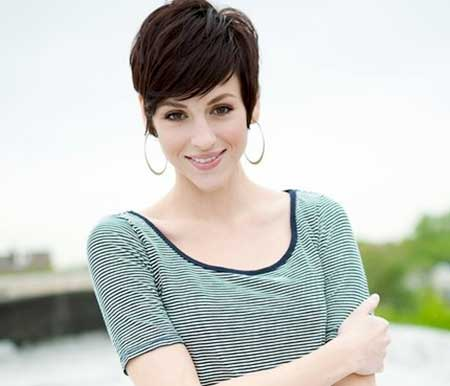 Short Bouncy Hairstyle with Short Bangs