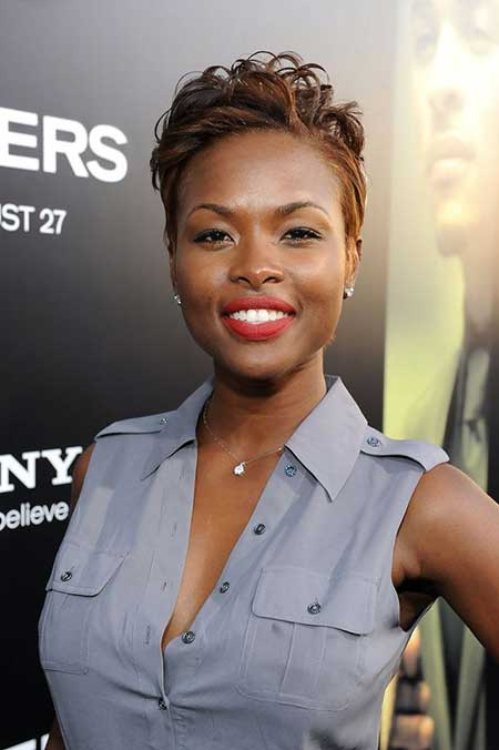 20 Nice Short Haircuts for Black Women_6