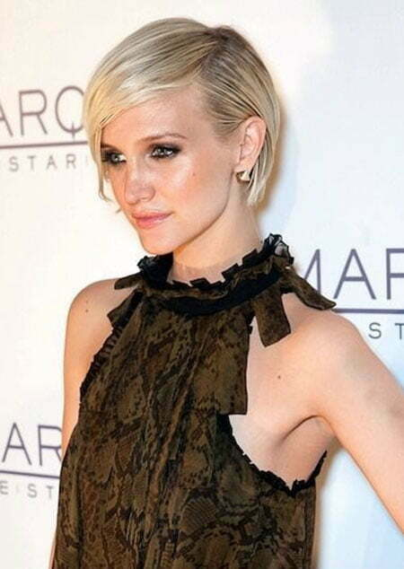 20 Popular Short Straight Hairstyles_3