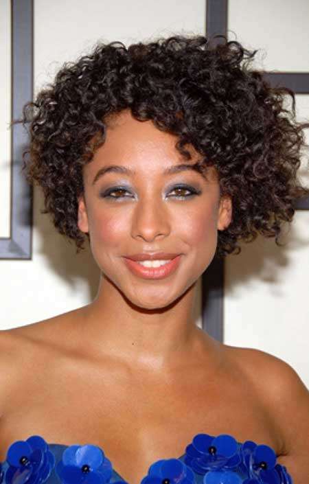 20 Short Curly Hairstyles Ideas_12
