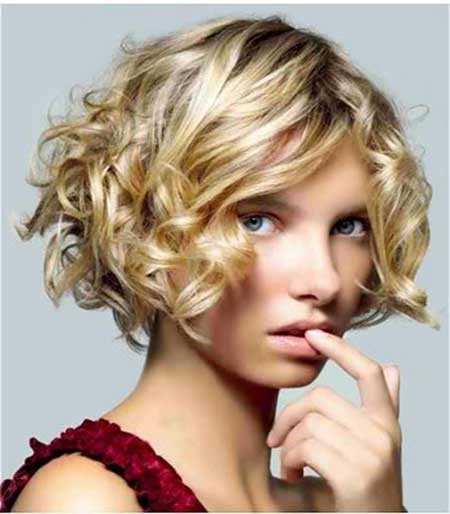 Short blonde curly hairstyle