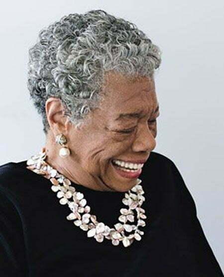 20 Short Hairstyles for Older Women_1