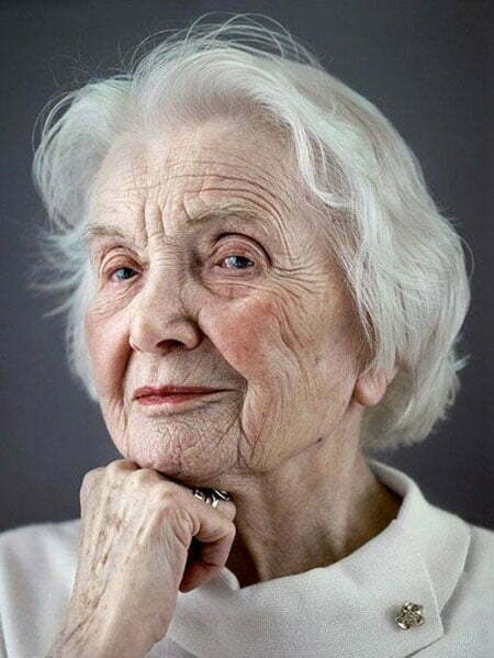 20 Short Hairstyles for Older Women_11