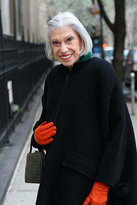 20 Short Hairstyles for Older Women_13