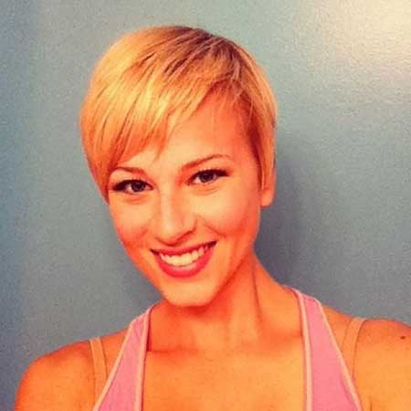 20 Short Hairstyles for Straight Hair_10