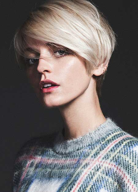 20 Short Hairstyles for Straight Hair_13