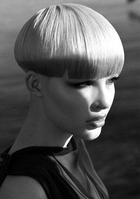 20 Straight Short Haircuts_10