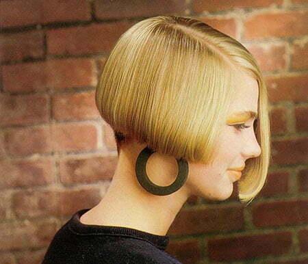 20 Straight Short Haircuts_9