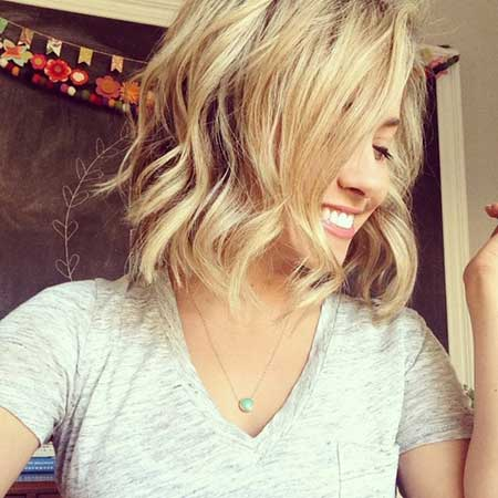 20 Wavy Hairstyles for Short Hair_5