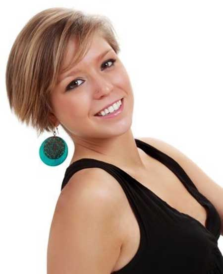Straight and Short Bob Hairstyle for Girls