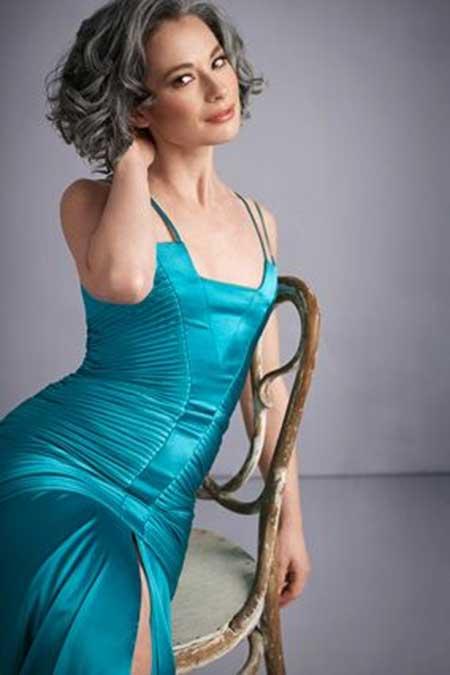 25 Short Hairstyles for Older Women_10