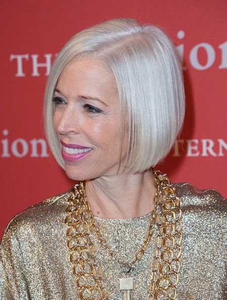 25 Short Hairstyles for Older Women_14