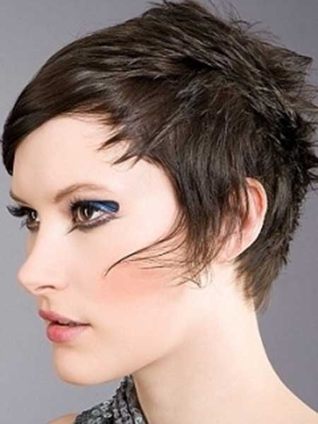 25 Short Pixie Cuts for Women_11