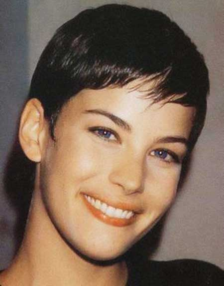 25 Short Pixie Cuts for Women_13