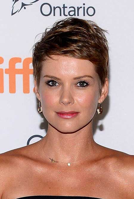 25 Short Pixie Cuts for Women_4