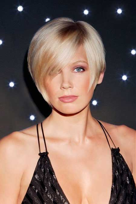 25 Short Straight Hairstyles_16