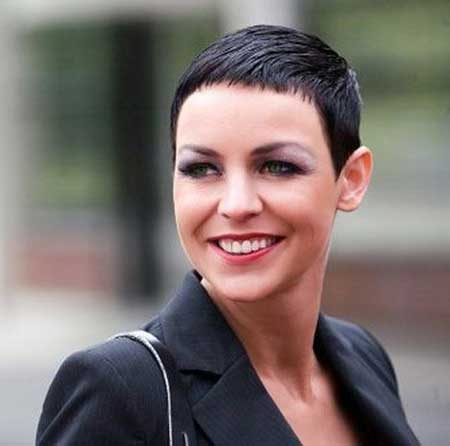 30 Short Pixie Cuts for Women_18