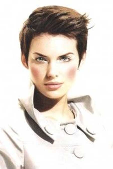 30 Short Pixie Cuts for Women_19