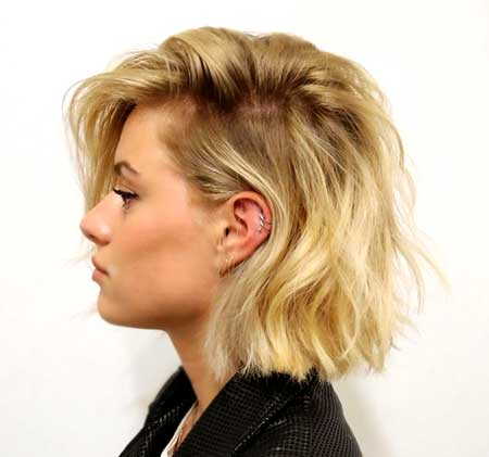 Side View of Blonde Wavy Hairdo