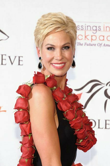 Best Celebrity Short Hairstyles_12
