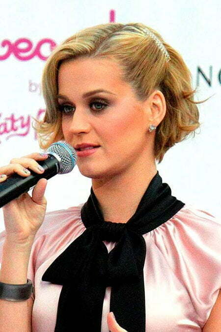 Best Celebrity Short Hairstyles_6