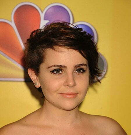 Best Celebrity Short Hairstyles_8